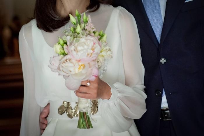Un vestido de novia corto